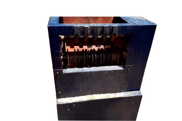 de-husking-machine
